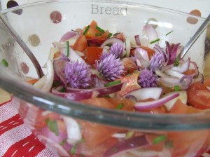 Tomato chives flowers salad with stevia