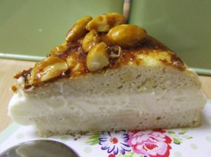 bienenstich cake - bee sting cake sweetened stevia