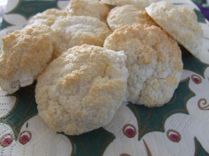 Paleo friendly Almond macaroons with Stevia