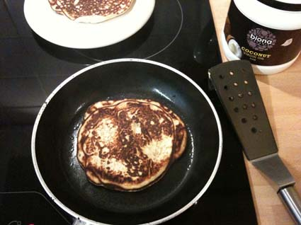 Gluten free high fiber breakfast PANCAKES with stevia - fried in coconut oil