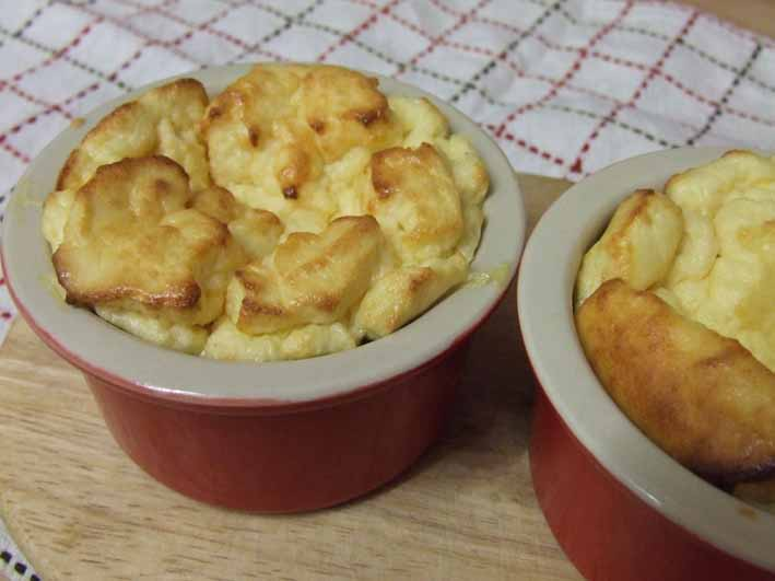 Cheese Cake Souffle - sugar and gluten free with the help of Stevia-sweet ramekins