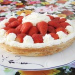 How to make a shortbread cake base with strawberries Paleo style