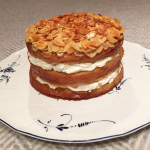 Ginger-cream-cake-with-almond-crust