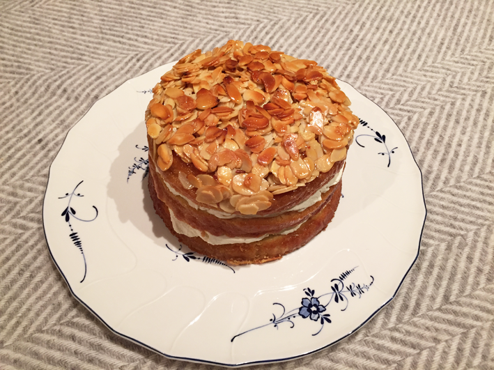 Ginger-cream-cake-with-almond-crust2